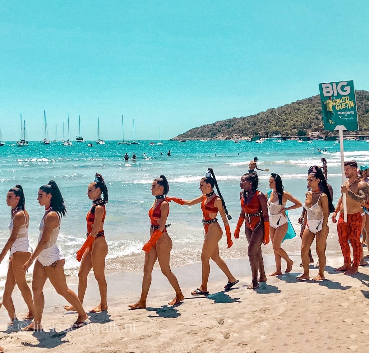 Promo girls Ushuaïa Ibiza David Guetta